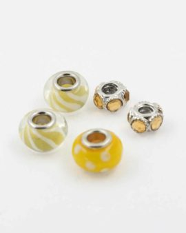 European style yellow pack. Sold per pack of 5 beads
