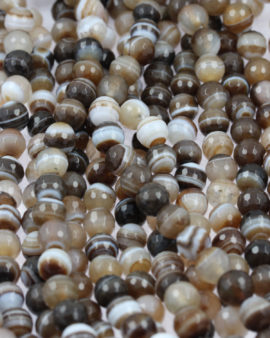 Dyed faceted agate beads , 8 mm. Natural stones lines.