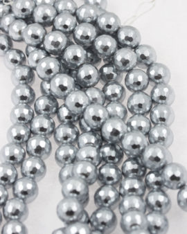 faceted shell pearls grey