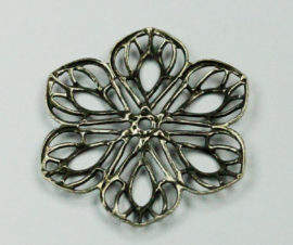 Filigree flower - Sold per pack of 4