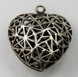 Filigree puff heart pendant