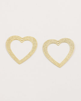 cut out heart sand dust gold
