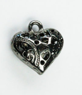 Hollow filigree heart charm - Sold in packs of 10 ( 1=10 pieces )