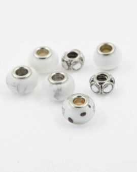 European style white pack. Sold per pack of 7 beads
