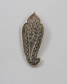 pointed paisley pendant silver oxide