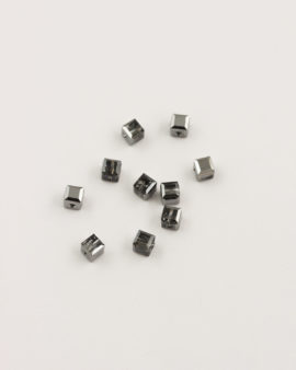swarovski cubes 4mm silver night