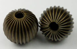 8 mm Round fluted hollow beads - Sold per pack of 20 beads
