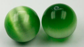 cat's eyes beads green