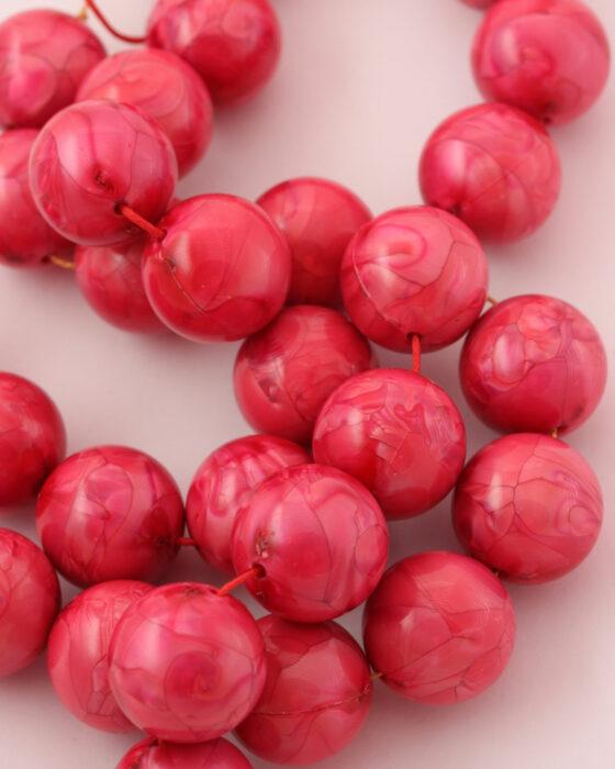 Round resin beads 20mm Pink
