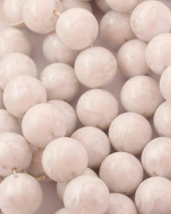 Round resin beads 20mm White