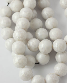 Round resin beads 16mm White