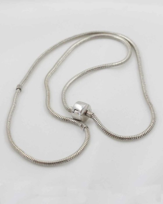 European style necklace, 2.5 x 55cm. Sold individually