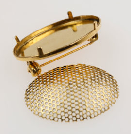 Oval Brooch & mesh