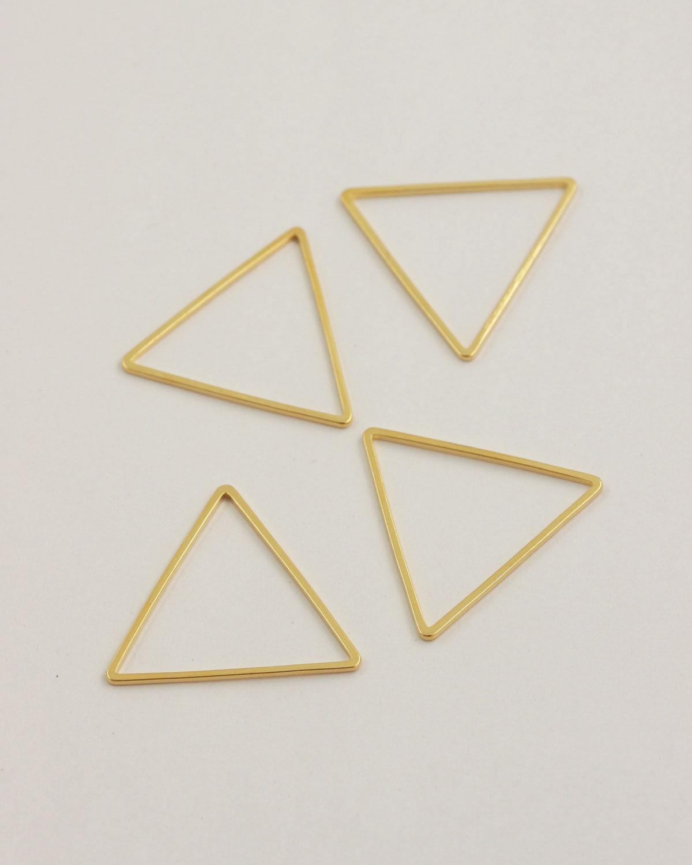 Triangle shape 30mm gold