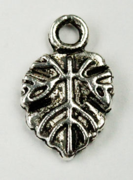 Leaf charm - Sold in packs of 20 pieces