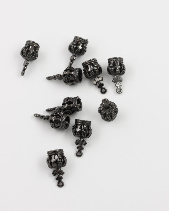 crown charm black