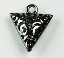 Hollow filigree Triangle charm - Sold in packs of 10 ( 1=10 pieces )