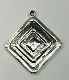 Flat Diamond relief pendant - Sold per pack of 4