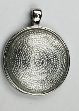 Round flat pendant bezel